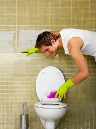 hombre-limpiando